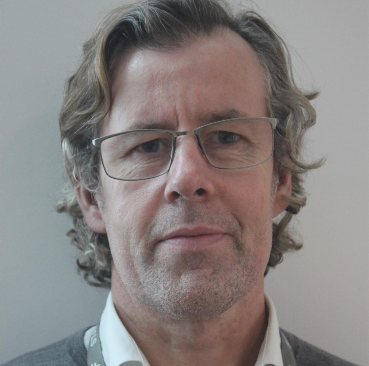 Dr S. Aylward